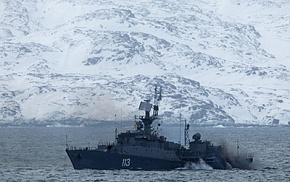 Search and rescue team of the Northern Fleet ship conducts exercises in the Barents Sea